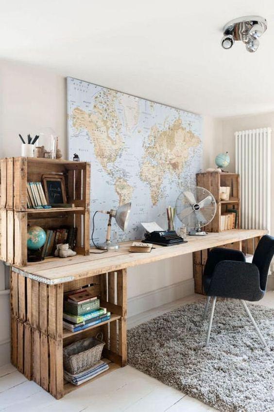 domowe biuro jak urządzić z biurkiem z palet