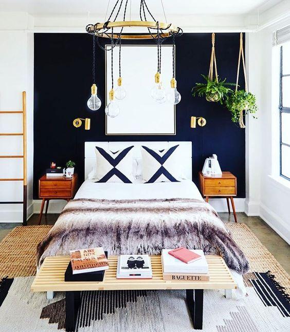 Wystrój wnętrz: Złote akcenty w sypialni