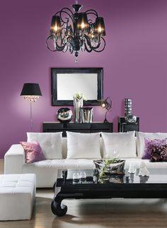 Fiolet na ścianie